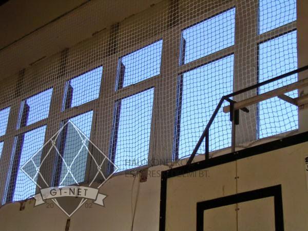 040 Ablakvédő háló - Ált. Iskola-Bonyhád