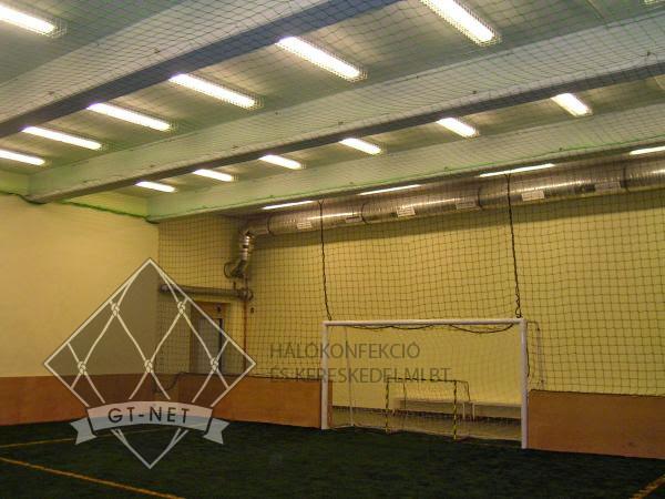 045 Védő-, labdafogó hálók műfüves foci csarnokban - COLOSSEUM-SPORTCENTRUM Budapest