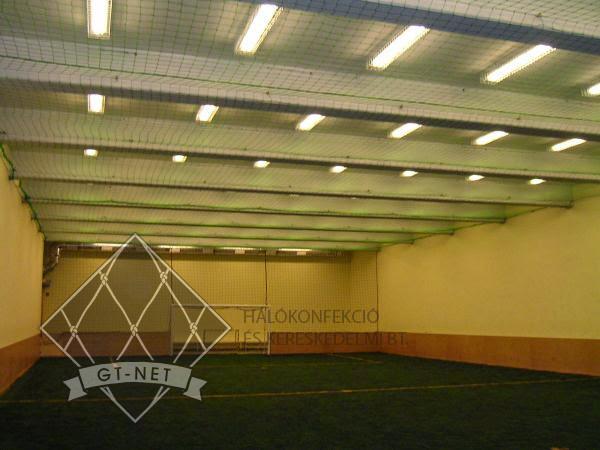 046 Védő-, labdafogó hálók műfüves foci csarnokban - COLOSSEUM-SPORTCENTRUM Budapest