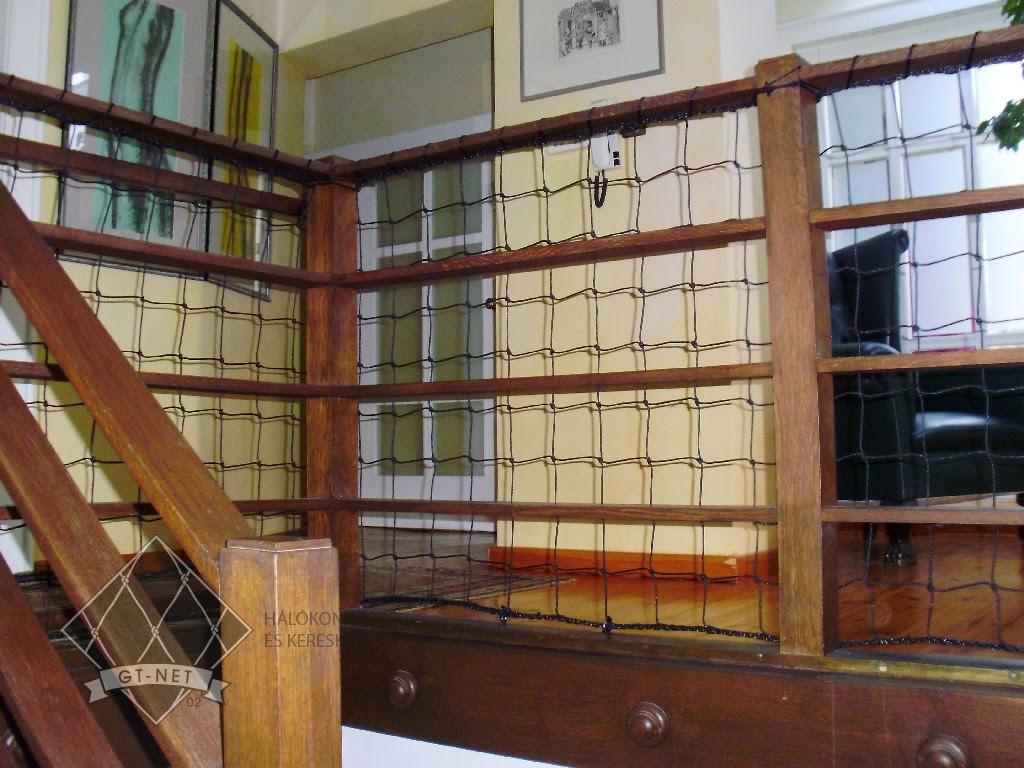 067 Lépcsőkorlát védőháló